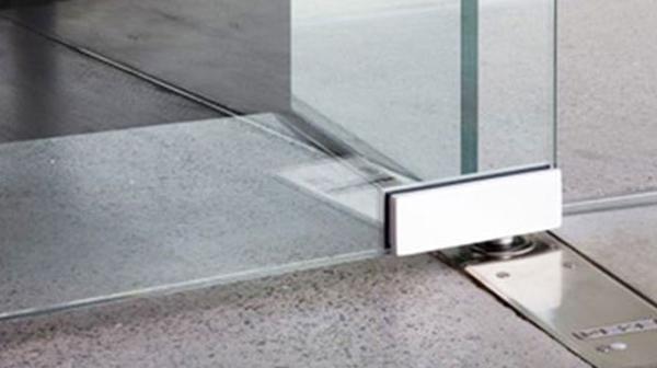 Hướng dẫn lắp đặt bản lề sàn cửa kính cường lực